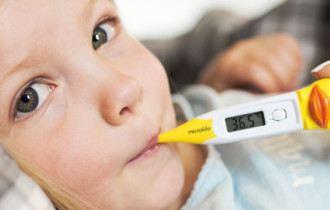 microlife-fever-kidthermometer-measurement